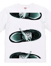 shoes border