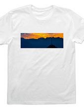 テレビ塔と夕日