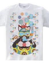 夏の海水浴猫