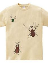 カブトムシとクワガタムシとカナブンがついたTシャツ