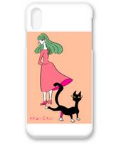 振り向く女性と黒猫